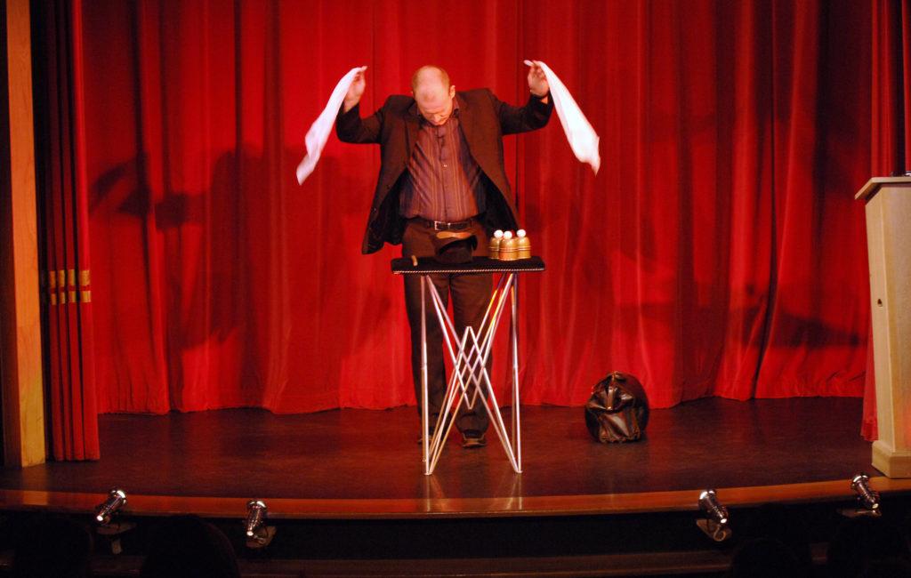 Cabaret Magician - Silks