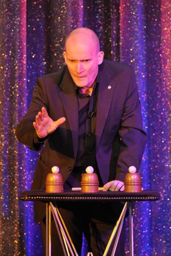 Cabaret Magician - Peter Wardell / Cups & Balls